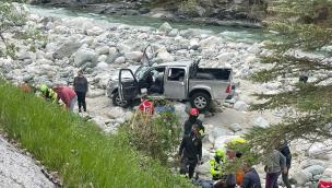 Perde il controllo dell'auto e finisce in un torrente a Montaldo Mondovì