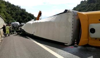 Altro incidente sulla A6: camion si ribalta, tratto chiuso tra Ceva e Millesimo vero Torino. Code sulla ss28