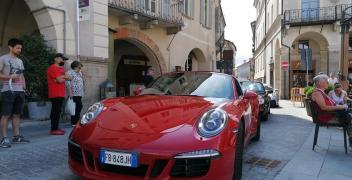 FOTOGALLERY - Passione Porsche a Mondovì Piazza